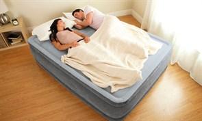 Надувная кровать Intex 64418 со встр. насосом 220В (152х203х56)