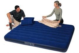 Надувной матрас Intex 68765 двуспальный (с ручным насосом и 2 подушками)  (152х203х22)
